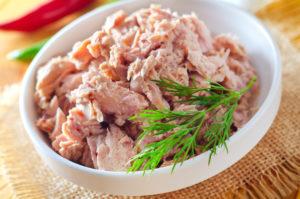 Uma deliciosa salada de atum.