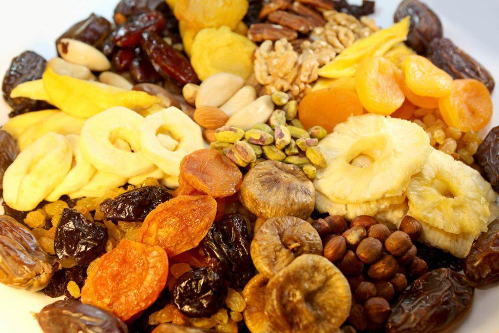 Na imagem, uma tábua de frutas desidratadas que você pode encomendar no Mercadão.