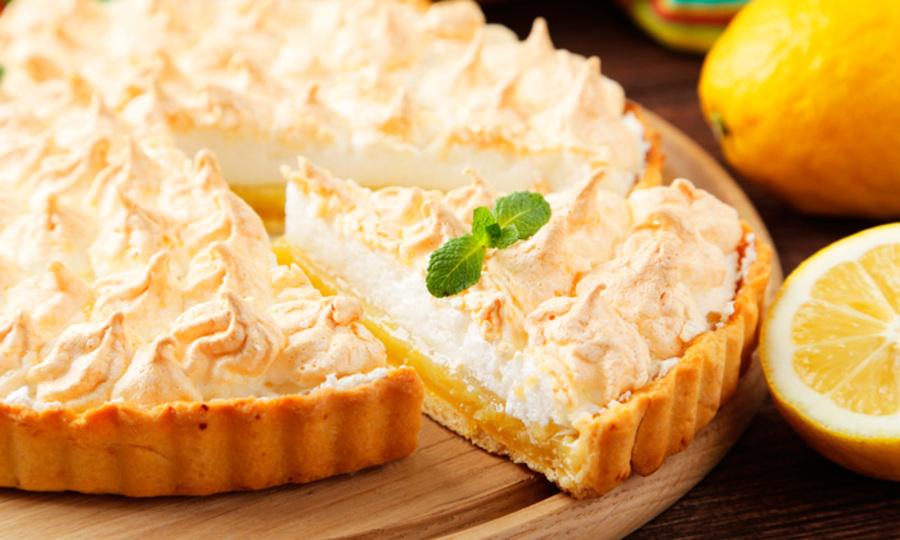 Na imagem, uma torta de limão que você pode encomendar no Mercadão.