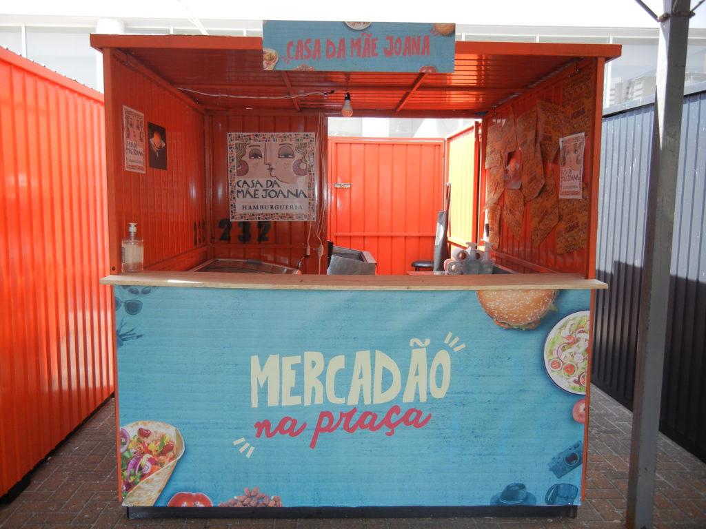 Na imagem, o container da Casa da Mãe Joana para o Mercadão na Praça.