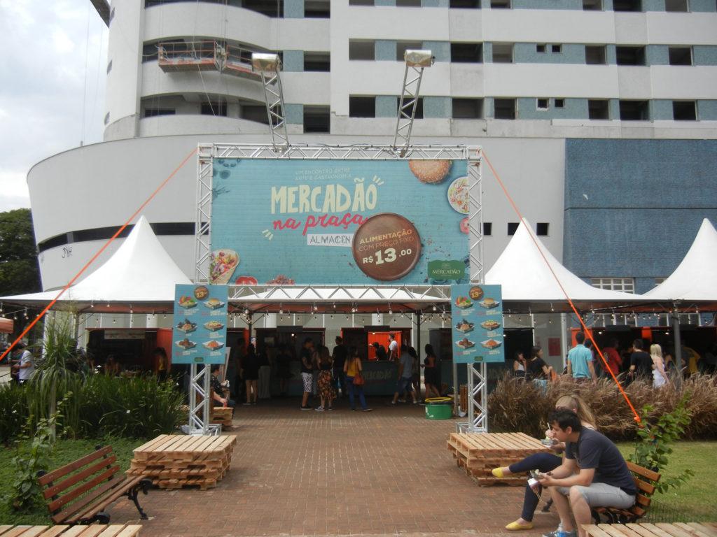 Na imagem, a entrada do Mercadão na Praça.
